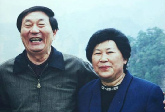 朱镕基一家人