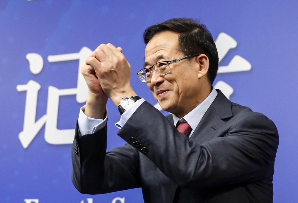 刘士余履新周年记:超3000家公司助推沪指上涨13%