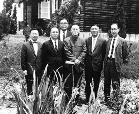 不要忘了这些曾跻身世界经济学最前沿的中国面孔