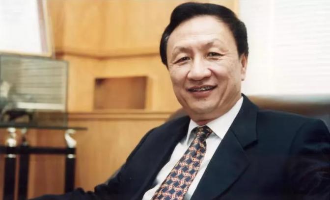 """他被称为""""中国高校管理学院院长""""的""""院长"""""""